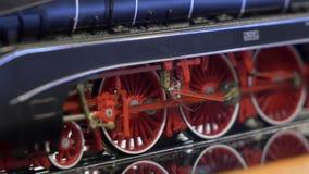 Locomotiva de vapor velha no movimento filme