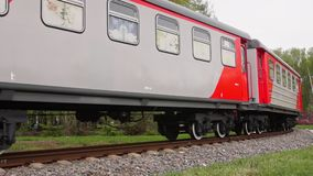 Locomotiva di ferrovia a scartamento ridotto stock footage