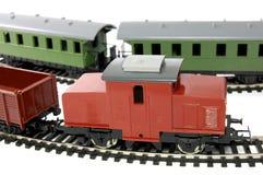 Locomotiva diesel del giocattolo e vagone del trasporto Fotografia Stock Libera da Diritti