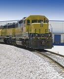Locomotiva em trilhas de estrada de ferro Foto de Stock Royalty Free