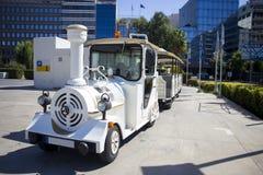 Locomotiva turística do estilo antigo da falsificação do trem Imagens de Stock