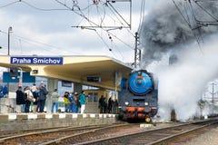 Locomotiva a vapore Albatros 498 022, stazione ferroviaria Smicho di Praga Fotografie Stock Libere da Diritti