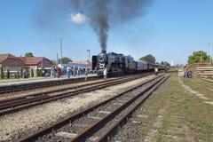 Locomotiva a vapore alla stazione immagine stock