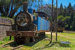 Locomotiva a vapore di smistamento blu abbandonata Fotografie Stock Libere da Diritti