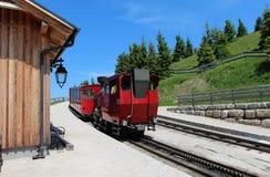Locomotiva a vapore di una ferrovia d'annata della ruota dentata che va a Schafberg, Wolfgangsee Fotografie Stock Libere da Diritti