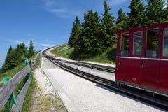 Locomotiva a vapore di una ferrovia d'annata della ruota dentata che va a Schafberg, Wolfgangsee Immagine Stock Libera da Diritti