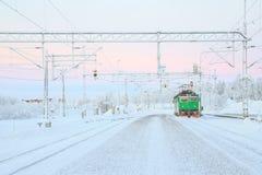 Locomotiva verde del treno Immagine Stock