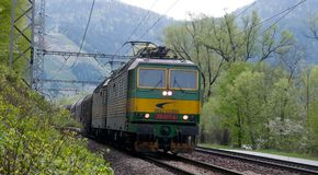 Locomotivas com fonte de alimentação de DC De 3000 V Fotos de Stock Royalty Free