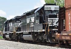 Locomotivas e trem do sul de Norfolk no tapume fotos de stock