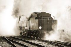 Locomotive à vapeur de cru images stock