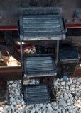 Locomotive à vapeur de vintage à la station Photographie stock libre de droits