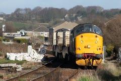 Locomotive électrique diesel sur le train nucléaire de flacon Image libre de droits
