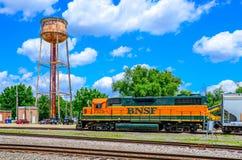 Locomotive de BNSF aux yards de Mendota Photographie stock
