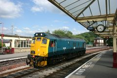 Locomotive du diesel 25059 de la classe 25 à Keighley, à Keighley et à valeur photos stock
