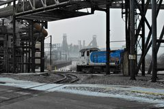 Locomotora de la acería imagen de archivo