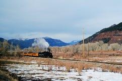Locomotora de vapor en el oeste imagenes de archivo