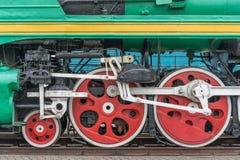 Locomotora de vapor vieja en un museo al aire libre fotos de archivo