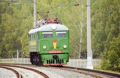 Locomotora diesel de la carga retra foto de archivo