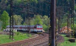 Locomotora eléctrica 162 005-3 - ferrocarriles eslovacos foto de archivo