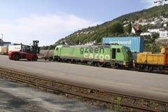 Locomotora verde del cargo Imágenes de archivo libres de regalías