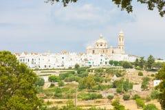 Locorotondo, Apulien - Skyline von Locorotondo vom landside stockfotografie
