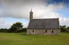 Locronan的少许农村教堂 库存照片