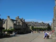 Locronan und Dorf in Bretagne Lizenzfreie Stockfotografie