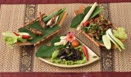 Locusta, Ensiferum e bachi da seta di Bombay, fritti Immagini Stock