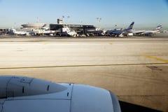 Израильские плоскости на авиапорте Бен-Gurion Стоковая Фотография RF