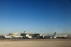 Avions israéliens à l'aéroport de Ben-Gurion Images libres de droits