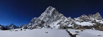 Lodges in Dzonglha, Ama Dablam and Cholatse Royalty Free Stock Photo