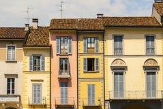 Lodi - casas coloridas viejas imagenes de archivo