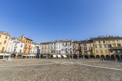 Lodi huvudsaklig fyrkant, Italien arkivbild