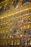 Lodlinje av den Pala d'Oroen, guld- för St Mark för altareskärm inre basilika ` s Royaltyfria Bilder