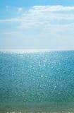 Lodlinjebakgrund för lugna hav Härlig Seascape Royaltyfria Bilder