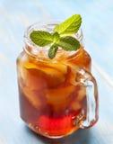 Lodowa herbata z mennicą i cytryną Obrazy Stock