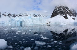 Lodowa jama w Antarctica Obrazy Royalty Free