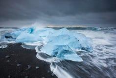Lodowa plaża przy jokulsarlon, Iceland fotografia stock