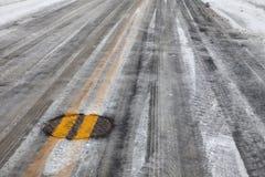 lodowaty kreskowy drogowy śliski kolor żółty Fotografia Royalty Free