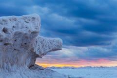 Lodowe formacje na Jeziornym Huron przy zmierzchem - Ontario, Kanada Obraz Stock