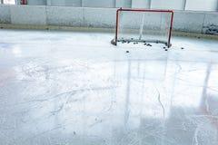 Lodowego hokeja lodowy lodowisko i opróżnia sieć fotografia royalty free
