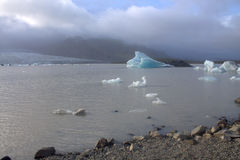 Lodowi floes na jeziornej Fjallsarlon lodowa lagunie Obraz Stock