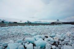 Lodowi głazy łamający daleko od Antarktycznego lodowa obraz royalty free