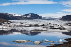 Lodowiec i jezioro z górami lodowa, Iceland Fotografia Royalty Free