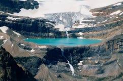 Lodowiec jezioro i łęków spadki Fotografia Stock