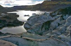 Lodowiec w południowym Iceland Patrzeje brudny, zakrywający w popiółach zdjęcie royalty free