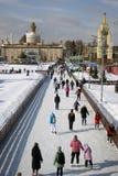 Lodowy lodowisko przy VDNHA parkiem w Moskwa zdjęcie royalty free