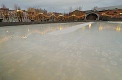 Lodowy lodowisko w mieście zdjęcia royalty free