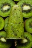 Lodowy lolly z kiwi Obrazy Stock