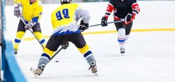 Lodowy mecz hokeja na lodowisku Fotografia Royalty Free